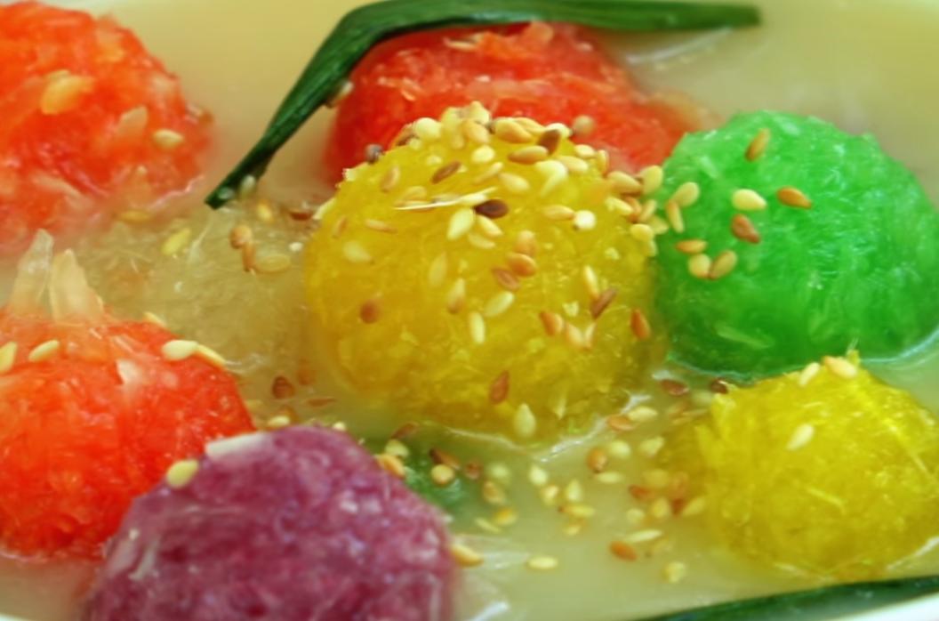 Nấu chè khoai mì ngũ sắc dân dã – BepXua | Món Miền Trung